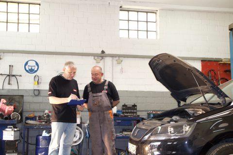 Unsere fachkundigen Mitarbeiter finden immer eine optimale Lösung für Ihr Fahrzeug